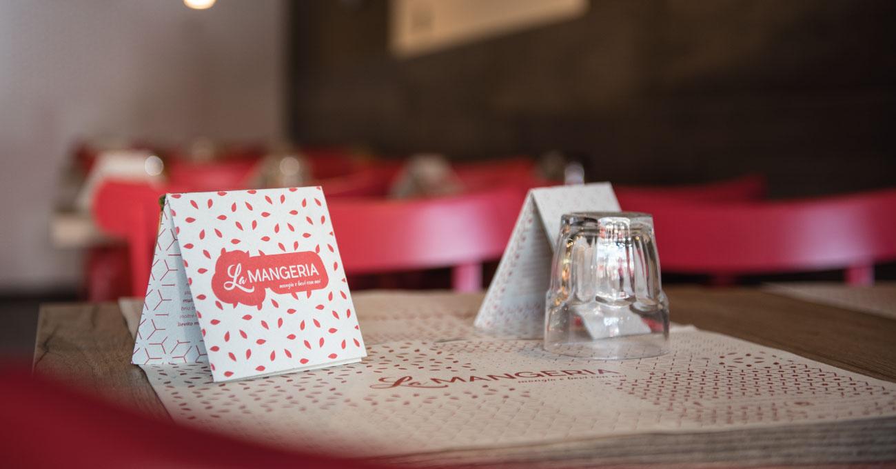 Design-Grafica-La-Mangeria